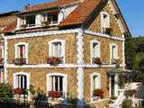 Chambres d'Hôtes Bed & Breakfast, 20 minutes from the centre of Paris