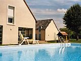 Country Cottage with Heated Pool in the Loire