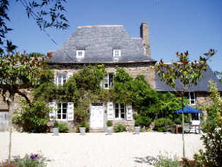 Many properties for sale in France