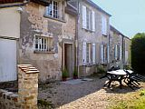 Country Cottage in Picardie between Reims and Paris